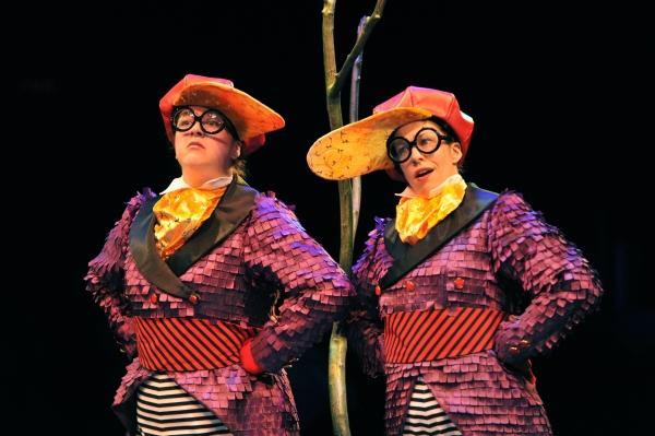 Sophie Grimm as Tweedle Dee and Holly Stauder as Tweedle Dum Photo