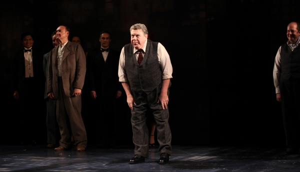 Murphy Guyer, George Wendt & Tony Torn with ensemble cast