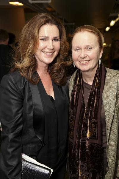 Peri Gilpin and Kate Burton