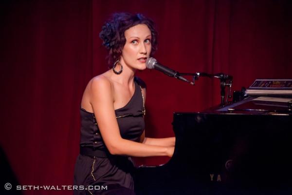 Emma Dean Photo