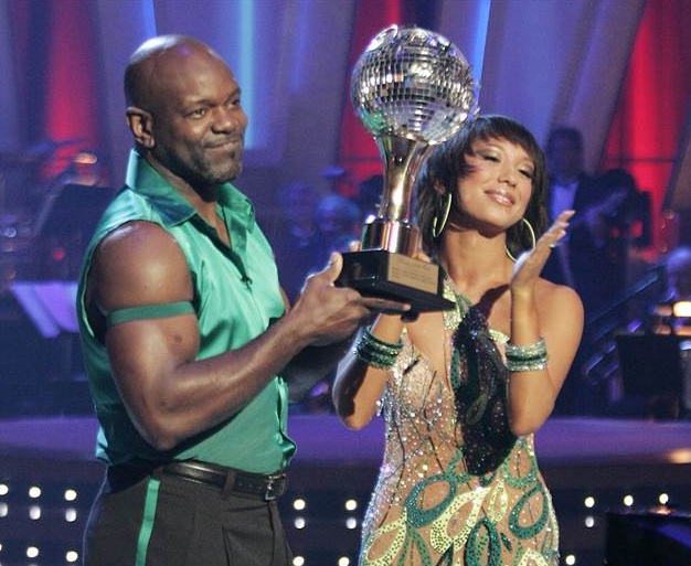 BWW ASKS: Do Professional Athletes Have an Unfair Advantage on DANCING WITH THE STARS?