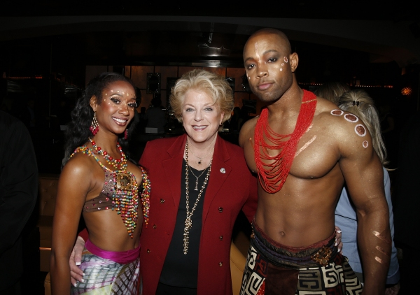 Las Vegas Mayor Carolyn Goodman (center) poses with Cirque du Soleil