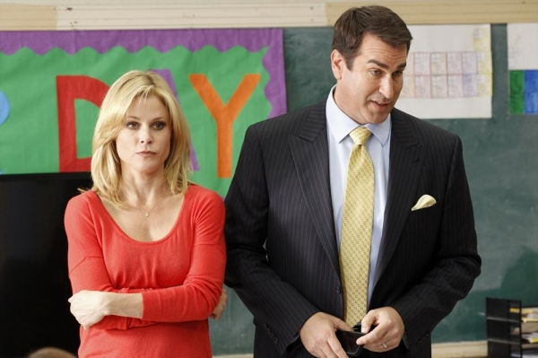 Julie Bowen, Rob Riggle Photo