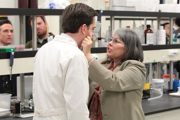 Photo Flash: THE OFFICE's 'Paper Plane,' Airing 4/25