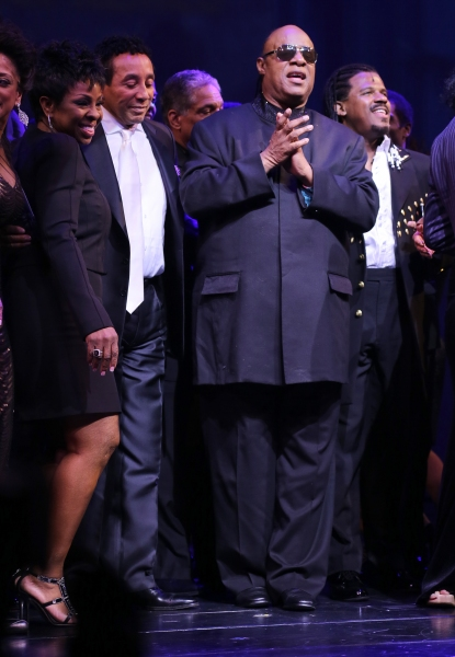 Gladys Knight, Smokey Robinson, Stevie Wonder & Ryan Shaw
