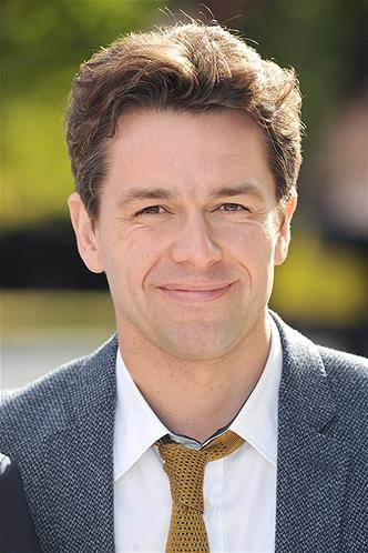 InDepth InterView: Julian Ovenden Talks RODGERS & HAMMERSTEIN AT THE MOVIES, SUNDAY In Paris, DOWNTON ABBEY, SMASH, 1ST NIGHT & More
