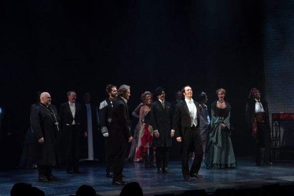 Richard White, Laird Mackintosh, and the cast of Jekyll & Hyde