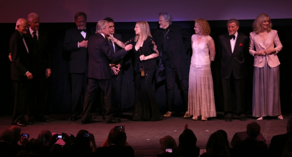 Alan Bergman, Bill Clinton,  George Segal, Michael Douglas, Ben Stiller, Barbra Strei Photo
