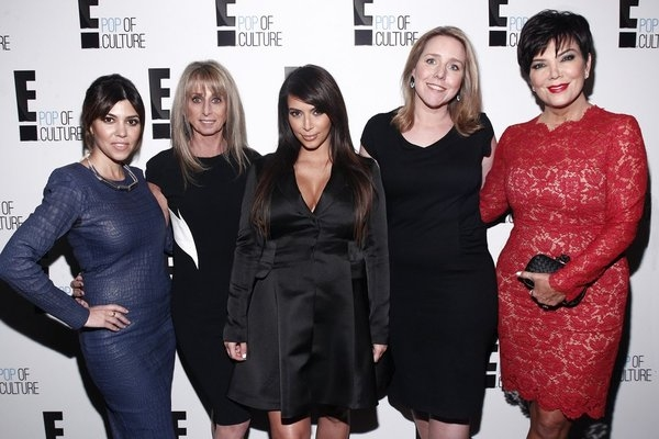 Kourtney Kardashian, Bonnie Hammer, Chairman, NBCUniversal Cable Entertainment Group, Kim Kardashian, Suzanne Kolb, President, E! Entertainment, Kris Jenner