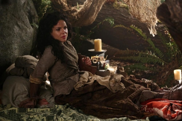 Photo Flash: First Look - ONCE UPON A TIME's 'Evil Queen' Episode