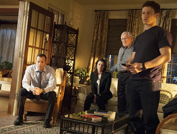Donnie Wahlberg, Bridget Moynahan, Len Cariou, Will Estes Photo