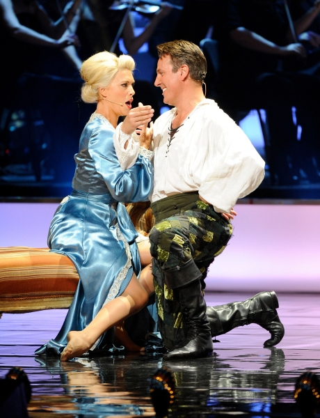 Kiss Me Kate's Hannah Waddingham and Alex Bourne