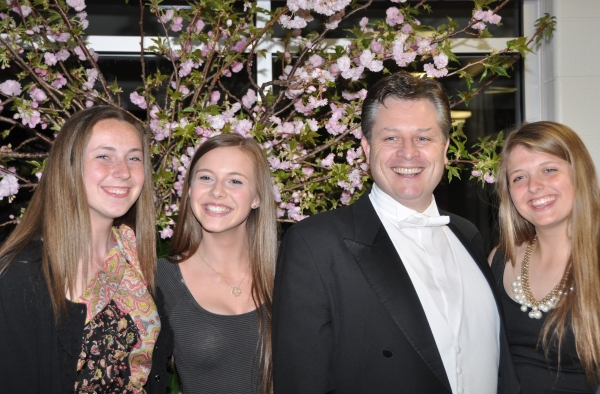 Photo Coverage: Tenor Anthony Kearns Plays Benefit Concert for OASIS