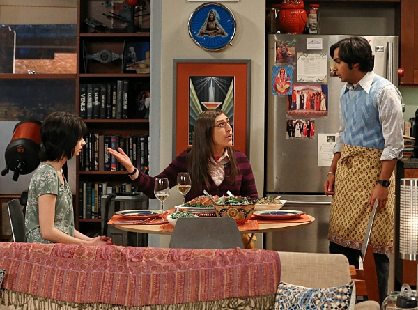 Kate Micucci, Mayim Bialik, Kunal Nayyar Photo