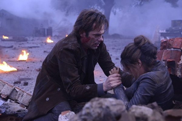 Billy Burke, Daniella AlonsoBilly Burke, Daniella Alonso