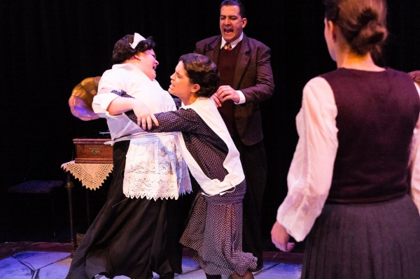 BWW Reviews: Mildred's Umbrella Theater's RAVENSCROFT is A Genre-Bending, Gothic Mystery