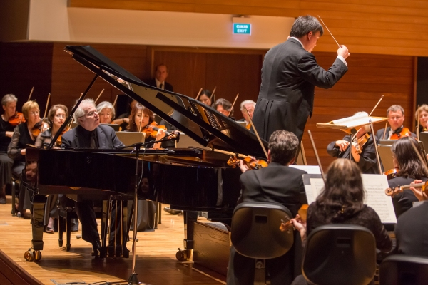 Photo Flash: New York Philharmonic Visits Istanbul, Zurich