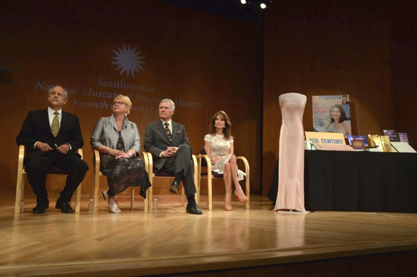 Phil Parker, Kathy Parker, Alex Trebek and Susan Lucci look on as their items are accepted