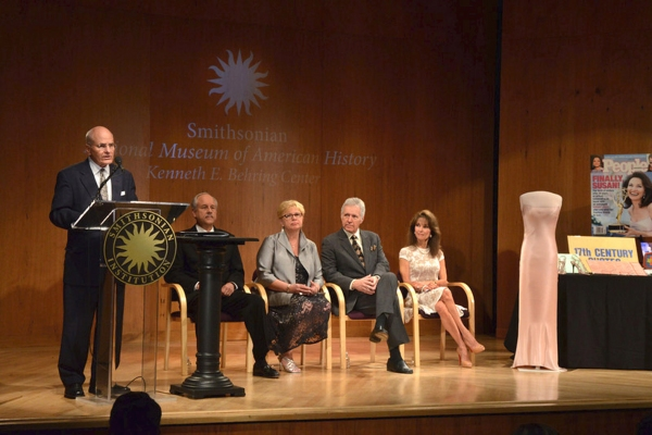 John Gray, Phil Parker, Kathy Parker, Alex Trebek and Susan Lucci Photo