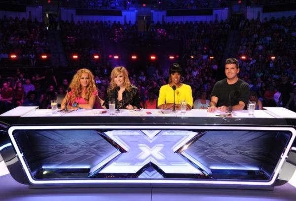 Paulina Rubio, Demi Lovato, Kelly Rowland, Simon Cowell Photo