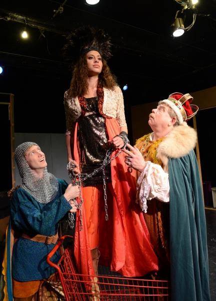 Jarrod Bates as Tom Thumb, Meaghan Bloom Fluittas Glumdalca the Giant Princess, Oliv Photo