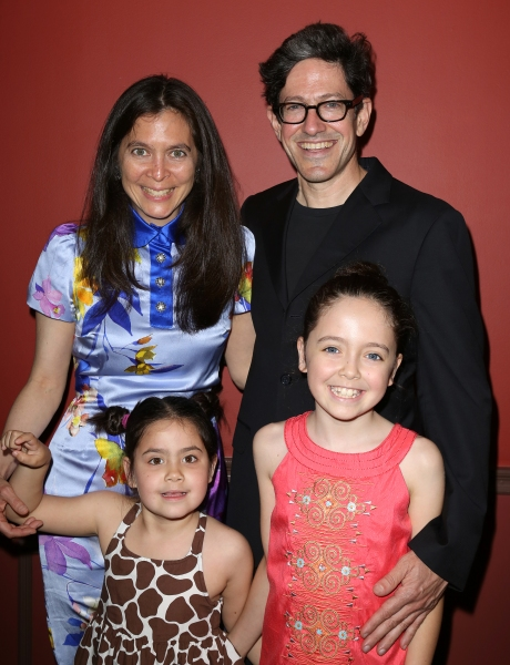 ÊDiane Paulus and Randy Weiner with daughters Katharine & Natalie