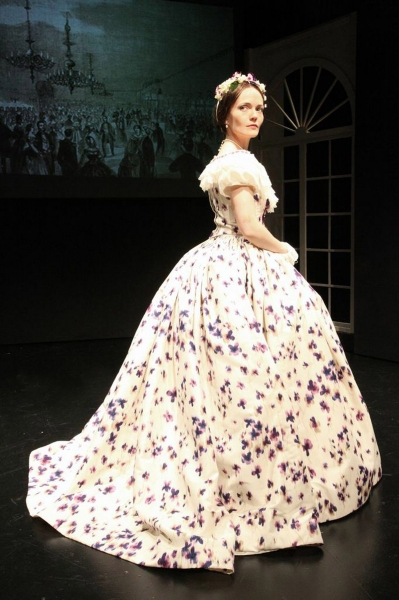 Leah Curney as Mary Todd Lincoln Photo
