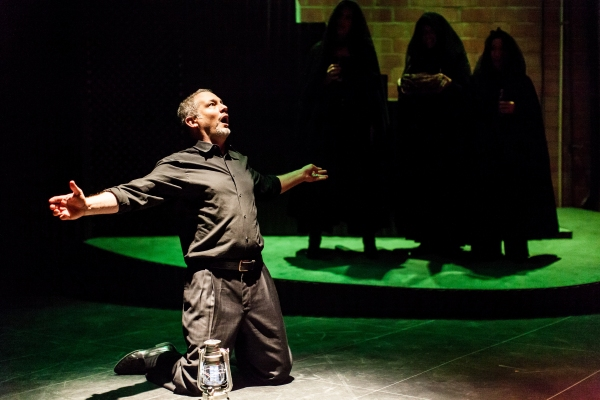 Philip Lehl as Macbeth.