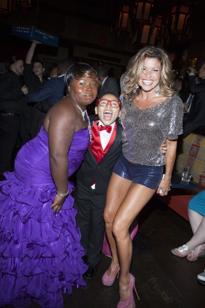 Marquise Neal, his mother and Rachelle Rak Photo