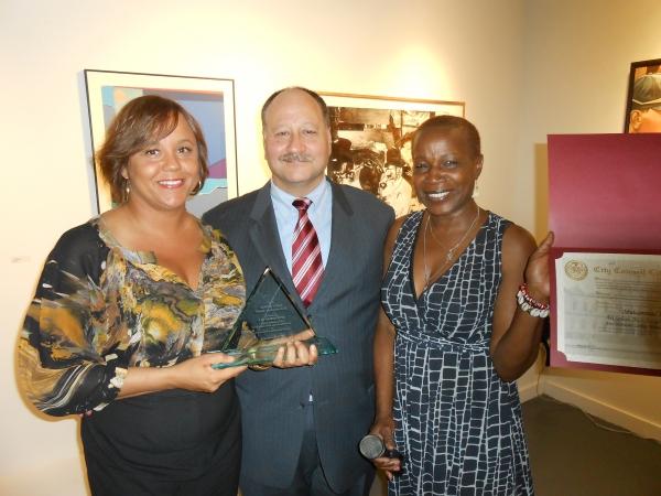 Miya Ali accepted award for her father Muhammad Ali