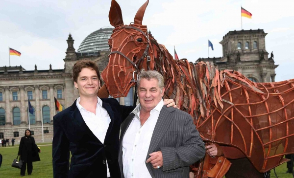 Joey the Horse, Philipp Lind (Albert Narracott) and Heinz Hoenig (Ted Narracott) launch the Berlin production of War Horse