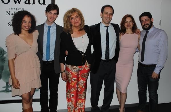 Michelle Beck, Daniel Pearle, Caroline Aaron, Peter Grosz, Carla Gugino and Evan Cabn Photo