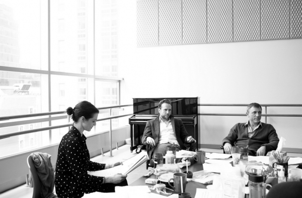 Photo Flash: In Rehearsal for BETRAYAL with  Daniel Craig & Rachel Weisz; Tickets Go On Sale for AMEX Cardholders on Today