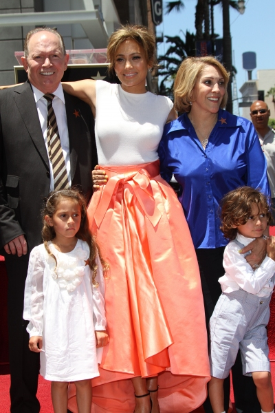 Jennifer Lopez with her mother Guadalupe Rodriguez, father David Lopez and children Emme Anthony and Max Anthony