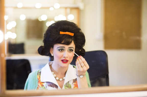Violet Beauregarde Costume Rental Photo Flash: Behind th...