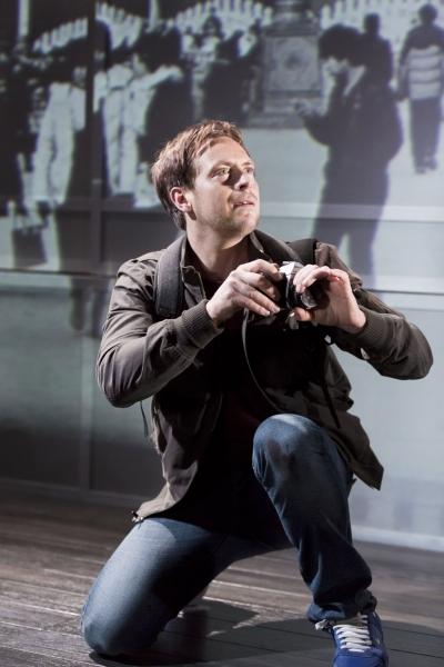 Stephen Campbell Moore (Joe Schofield