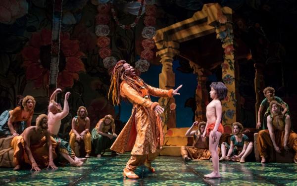 Andre de Shields (King Louie) and Akash Chopra (Mowgli)