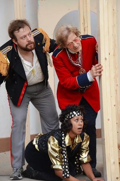 Elliot F. Fox (as Sir Toby Belch), Jay O''Leary (underneath) (as Fabian), T. Bohrer (as Sir Andrew Aguecheek)