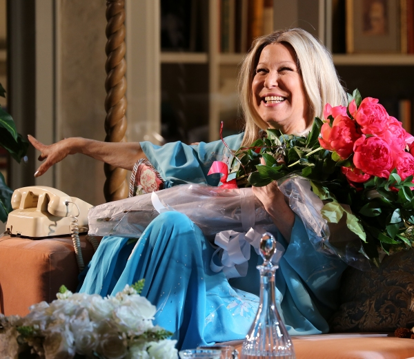 BWW Flashback: I'LL EAT YOU LAST, Starring Bette Midler, Closes on Broadway Today