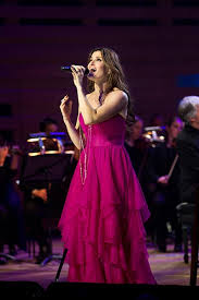 BWW Reviews: Idina Menzel - Barefoot and Firmly Centre Stage in Melbourne