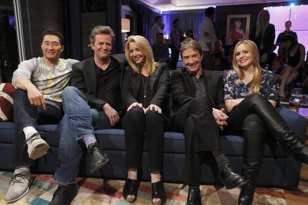 HOLLYWOOD GAME NIGHT -- Episode 104 -- Pictured: (l-r) Daniel Dae Kim, Matthew Perry, Lisa Kudrow, Martin Short, Kristen Bell-- (Photo by: Trae Patton/NBC)