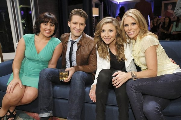 HOLLYWOOD GAME NIGHT -- Episode 106 -- Pictured: (l-r) Contestant, Matthew Morrison, Sarah Chalke, Cheryl Hines -- (Photo by: Trae Patton/NBC)