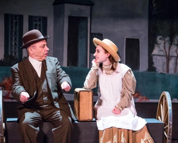 Jeff Rossman as Matthew Cuthbert and Emma Nissenbaum as Anne Shirley