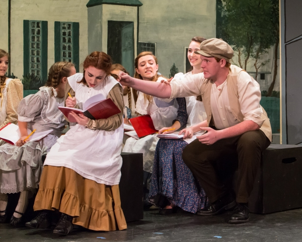 Emma Nissenbaum (seated with book), Erin Shaughnessy as Diana Barry, Jerusha Wright a Photo