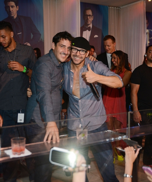 Jonathan Knight and Donnie Wahlberg