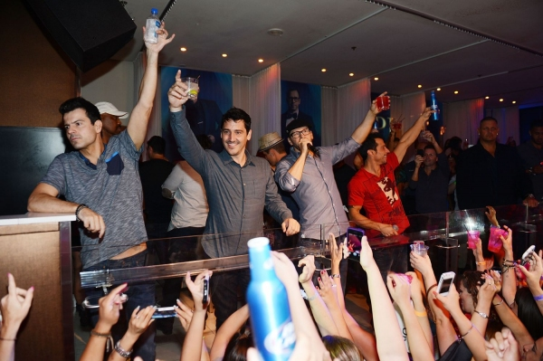 New Kids On The Block: Jordan Knight, Jonathan Knight, Donnie Wahlberg, Danny Wood and Joey McIntyre