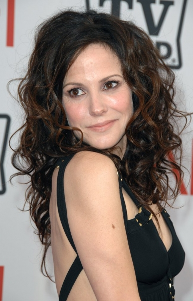 mary louise parker to star in new hallmark film christmas in conway - Christmas In Conway Hallmark