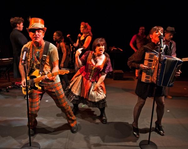 Steve McWilliams (The Barker), Gillian Shelly (The Gypsy), Debra Buonaccorsi (Charlot Photo