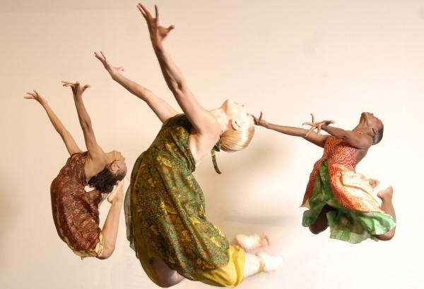 Lula Washington Dance Theatre. Photo Credit: Ian Foxx.