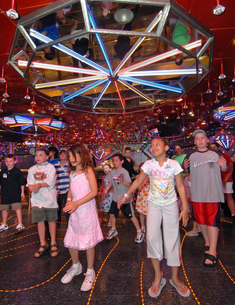 Bww Reviews Carnival Fascination The Ship That Never Sleeps